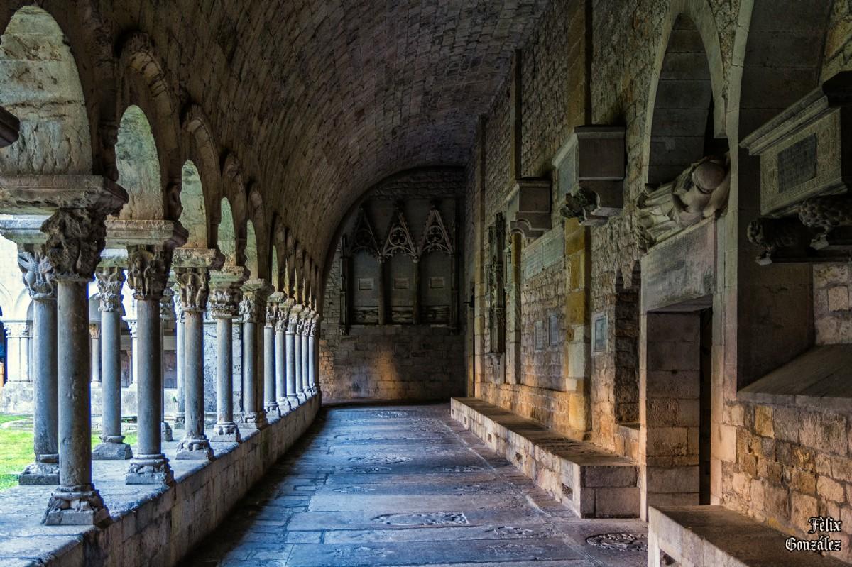 5595 Claustro De La Catedral De Girona Por Felix Gonzalez