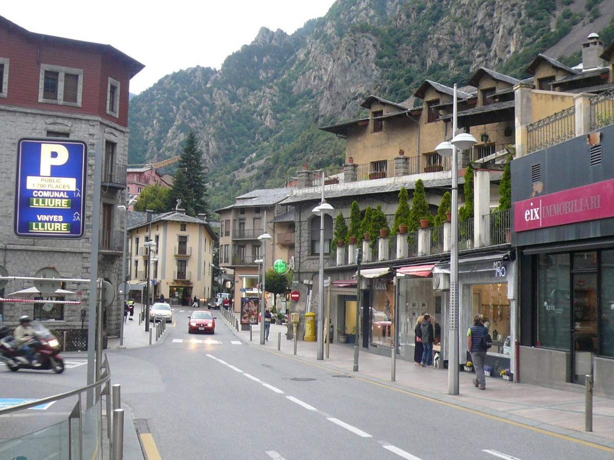 Calle de andorra la vella por mikel fotograf a turismo de observaci n - Oficina turismo andorra ...