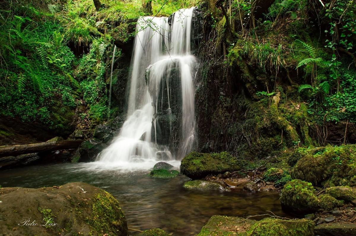 Cantabria, eso qué es? - Página 11 Cascada-del-canal-de-la-tejera-en-somahoz-46521-xl