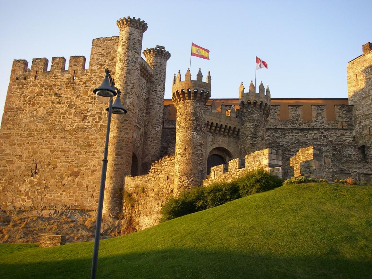 Castillo de ponferrada por mikel fotograf a turismo de for Oficina de turismo ponferrada