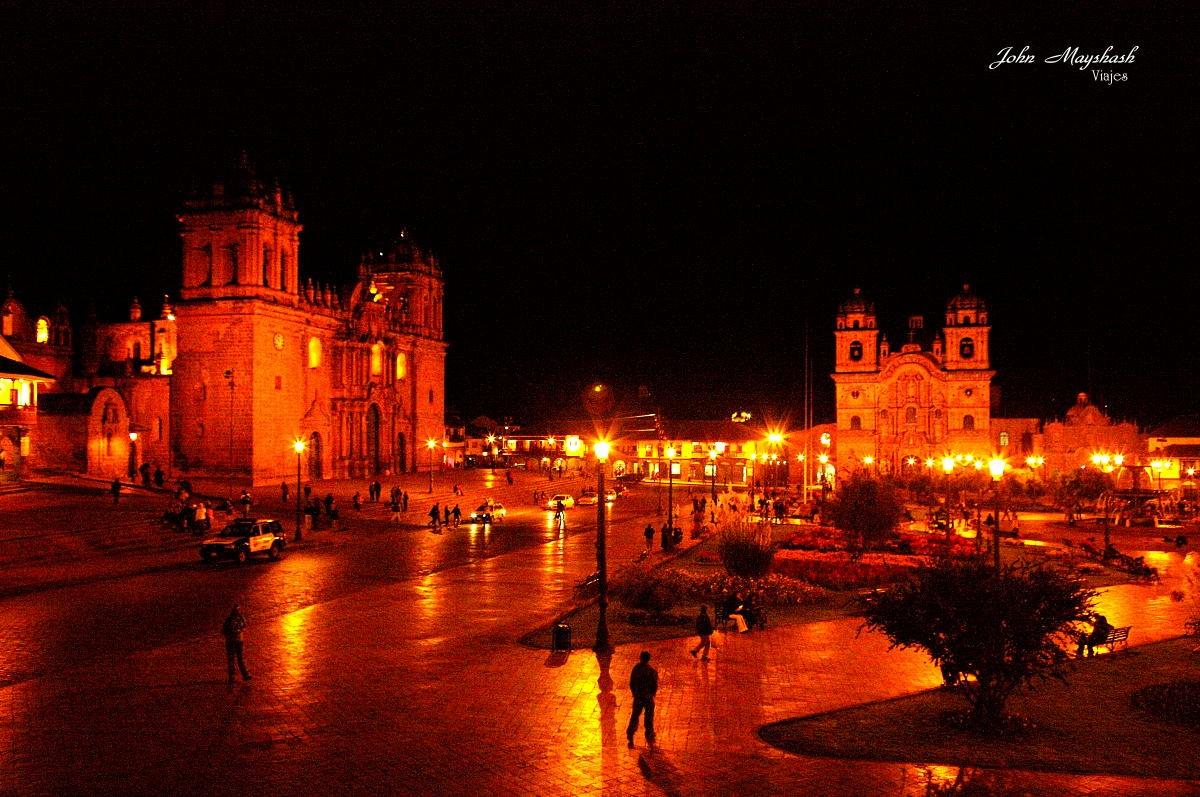 Ciudad Del Cusco Nocturna Por John Mayshash Fotografía