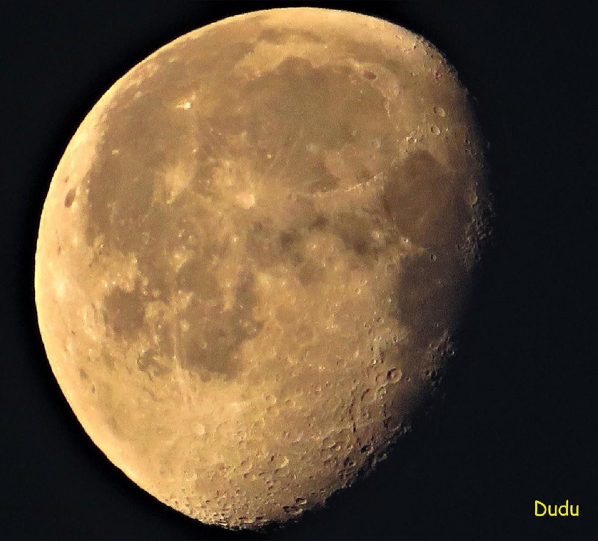 Cuarto menguante por Dudu | Fotografía | Turismo de Observación