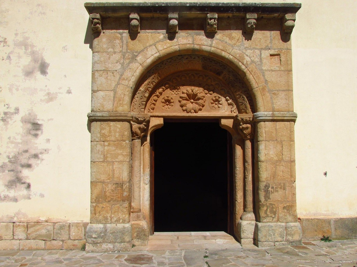 Portada de la Ermita de los Santos Mártires. Garray, Soria por ...