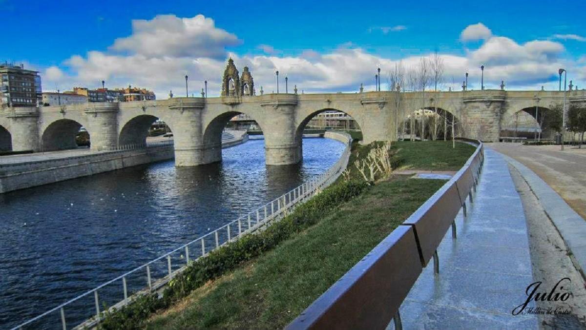 Puente De Toledo De Madrid Rio Manzanares Por Jmillandc