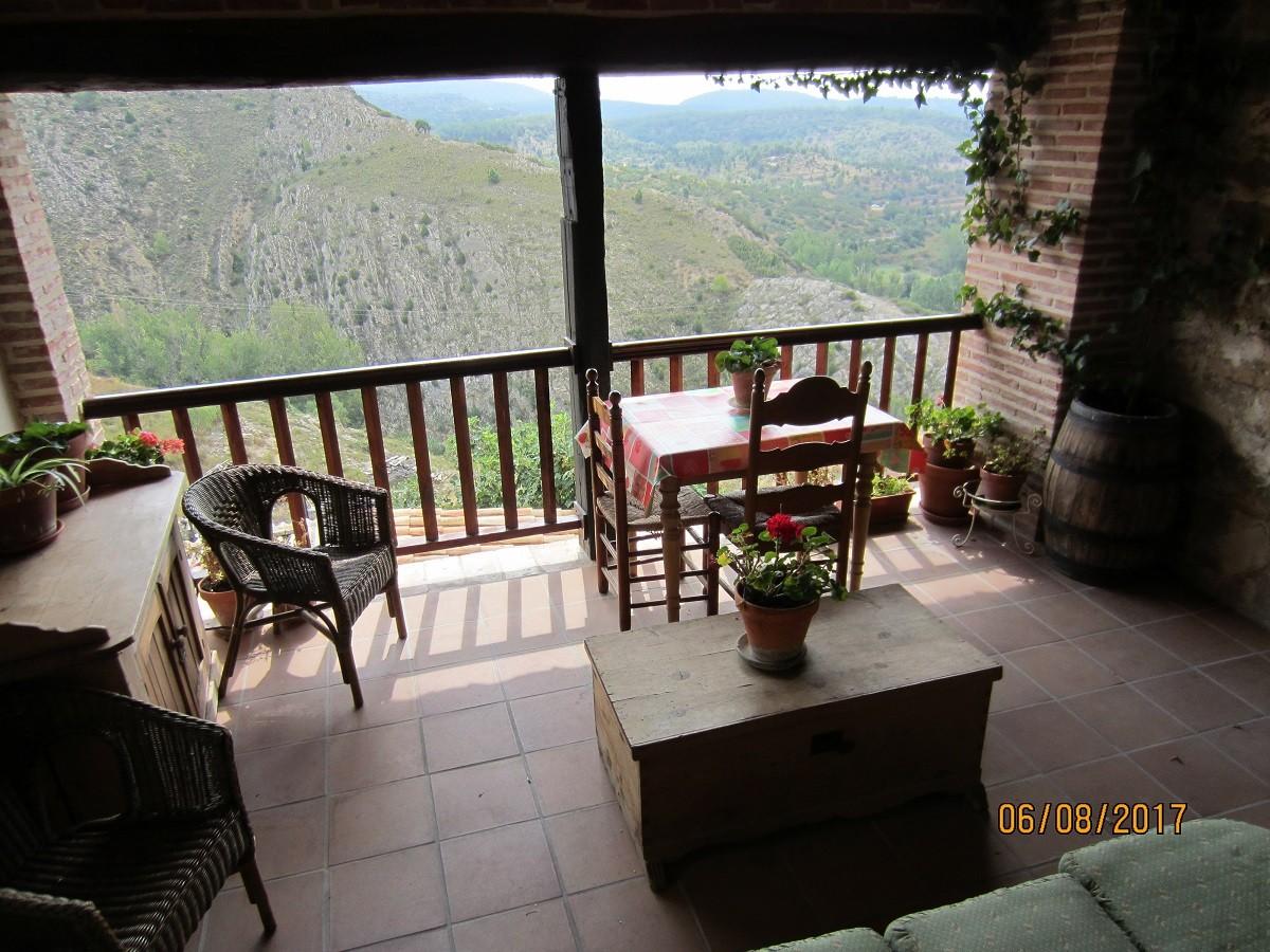 Rubielos Terraza De Una Casa Rural Por Javi Fotografía
